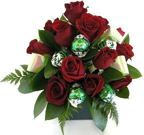 Композиция из 17 Роз и Шоколада
