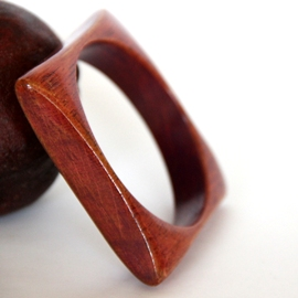 Chic Wooden Bracelet