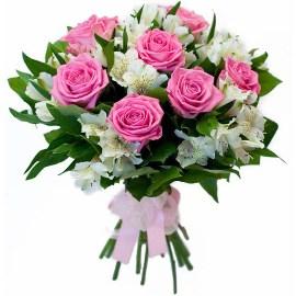 Классический Букет с Розовыми Белыми Розами
