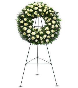 Венок из 120 Белых Роз