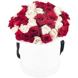 Նրբաճաշակ Վարդեր Տուփում