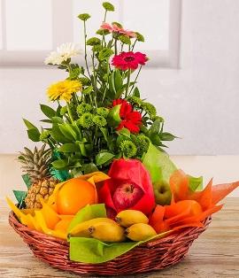 Микс фруктов и цветов
