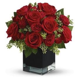 Elegance Rose Bouquet in Vase