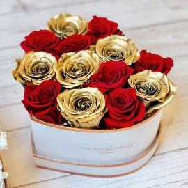 Կարմիր և ոսկեգույն վարդերով սիրտ
