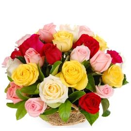 Корзина из 25 Разноцветных Роз