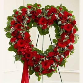 Красный венок из 300 цветов