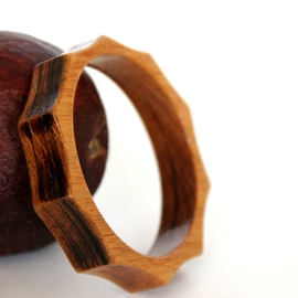 Sunny Wooden Bangle
