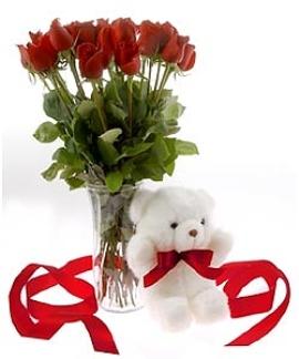 15 Կարմիր Վարդեր և Թեդդի Արջուկ